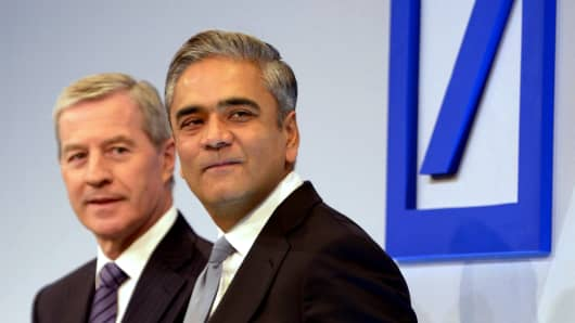 Juergen Fitschen (L), co-CEO of Deutsche Bank AG, and Anshu Jain, co-CEO of Deutsche Bank AG.