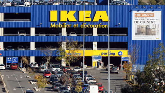 revelations that ikea spied on its employees stir outrage in france. Black Bedroom Furniture Sets. Home Design Ideas