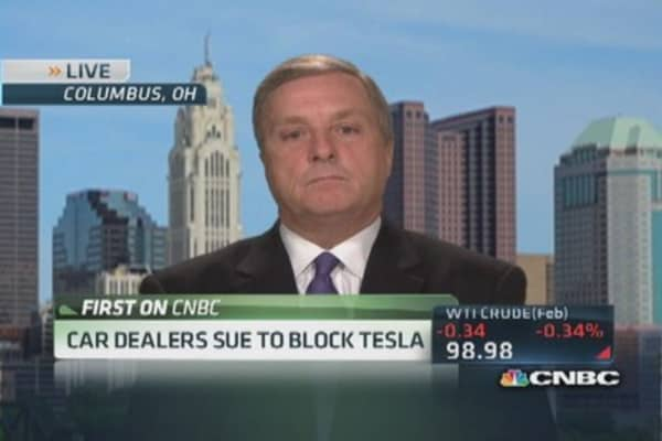 Car dealers sue to block Tesla