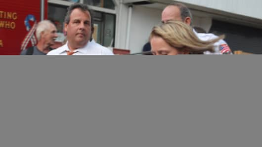 New Jersey Governor Chris Christie and Deputy Chief of Staff Bridget Anne Kelly (R).