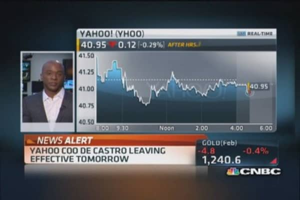 Yahoo COO de Castro out