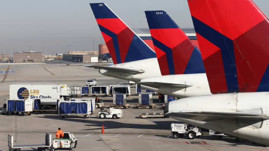 Delta planes at the Salt Lake City international Airport