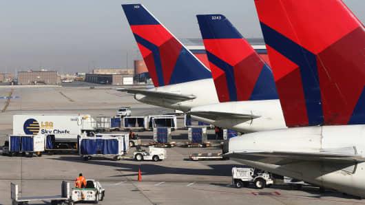 Delta planes at the Salt Lake City international Airport
