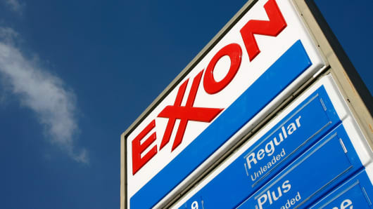 Exxon Mobil Corp (XOM) Stake Maintained by Ruffer Llp
