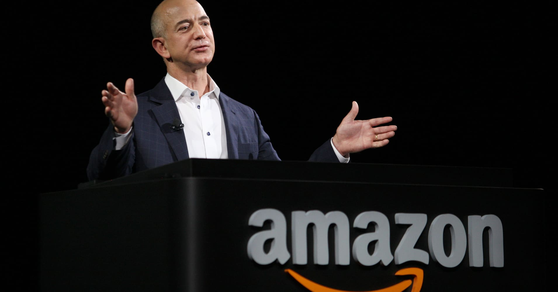Amazon, Apple, and Alphabet are in a race to become the first trillion-dollar company - Munster