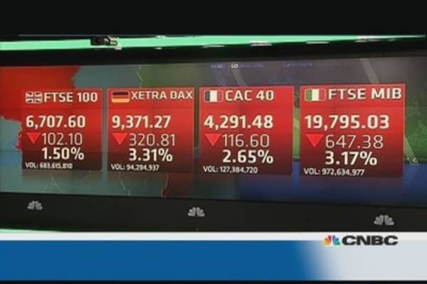 Europe shares close lower on Ukraine crisis; Russian shares plummet