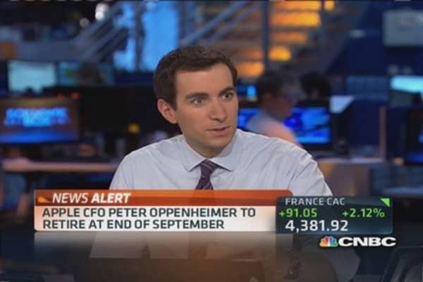 Apple CFO Oppenheimer to retire