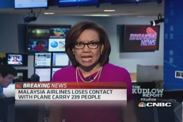 Malaysia Airlines loses contact with plane