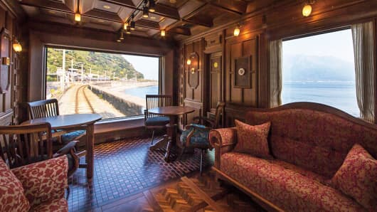 The Seven Stars in Kyushu cruise train