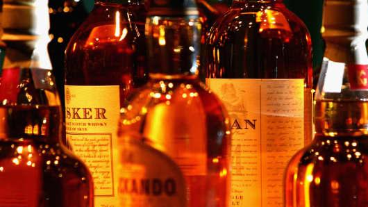 80211461JM010_Whisky_tastin