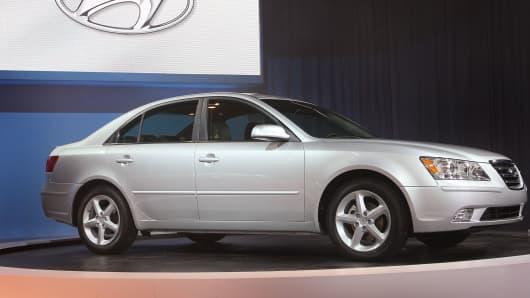 2009 Hyundai Sonata.