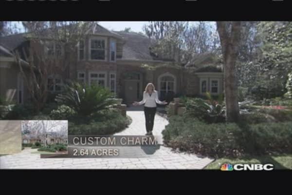 Million Dollar Homes: Roomy Ranch. vs. Custom Charm