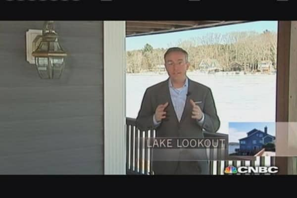 Million Dollar Homes: Lake Lookout vs. Brick Beauty