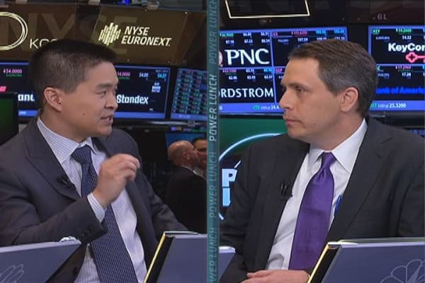 Brad Katsuyama squares off with William O'Brien on high frequency trading on CNBC's Power Lunch.