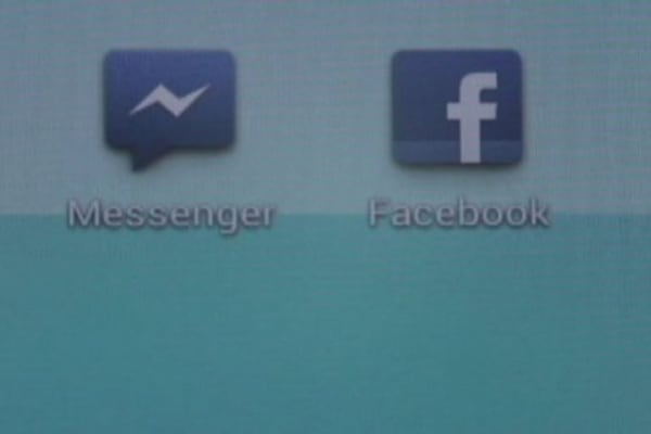 Tech Yeah! Facebook users forced to download separate messenger app