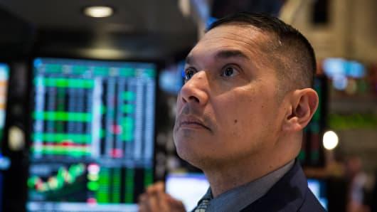 484172193AB011_Stocks_Rise_