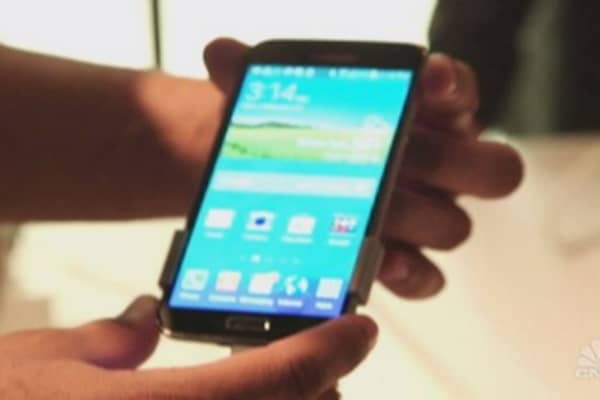 Tech Yeah! Smartphones and wireless carriers