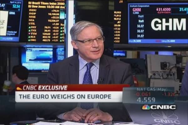 Euro drags on ECB's price stability objective: Noyer