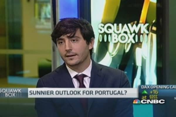 'Huge' long-term debt issue for Portugal: Pro