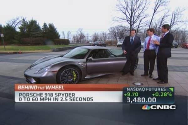 Porsche debuts 918 Spyder supercar