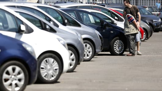 Europe car sales rise as recovery