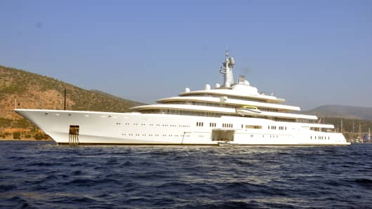 "Roman Abramovich's yacht ""Eclipse"" arrives in Bodrum, Turkey, on Nov. 1, 2013."