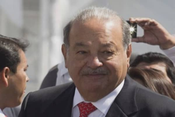 Carlos Slim builds fortune with eye for bargains