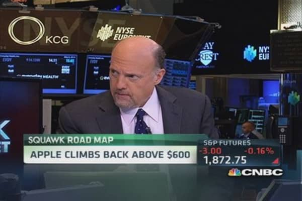 Cramer: Apple buyback was genius