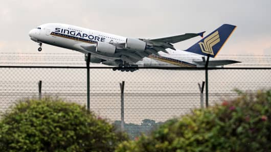 Singapore Airlines Airbus A380 taking off
