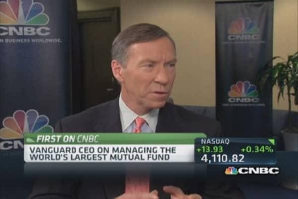 McNabb addresses banks vs. mutual funds