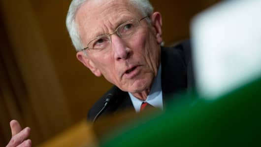 Stanley Fischer speaking during a Senate Banking Committee nomination hearing in Washington, March 13, 2014.