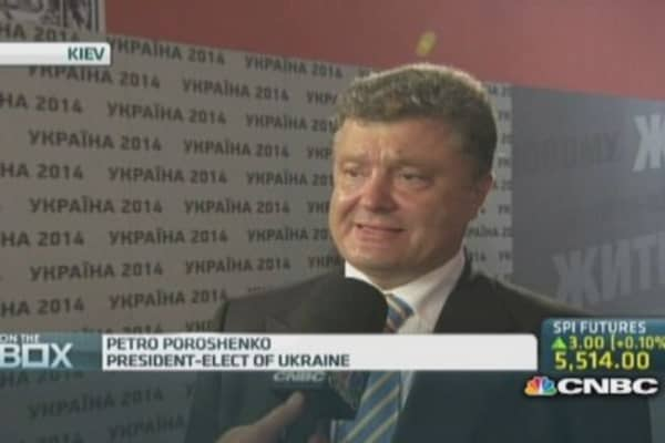 Poroshenko: 'Bring peace, stop the war'
