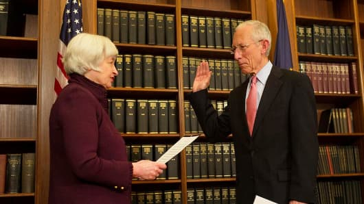 Stanley Fischer sworn in as member of the Board of Governors of the Federal Reserve System by Janet Yellen
