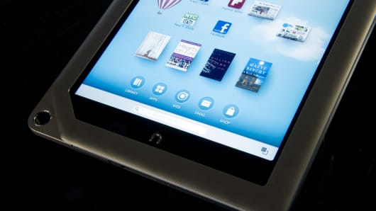 Barnes and Noble to develop a tablet with Samsung.