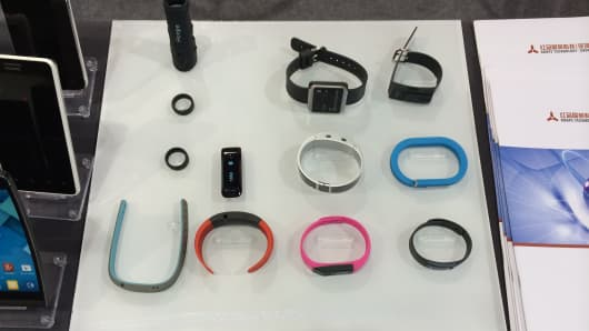 Wearable device buffet. People are crazy about wearables these days.