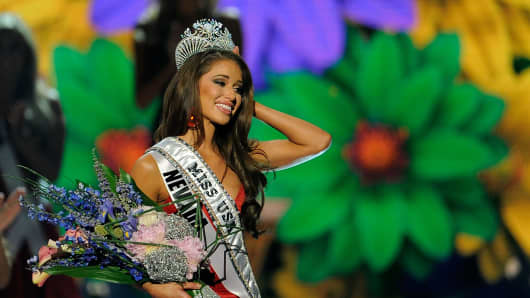 Miss Nevada Nia Sanchez.