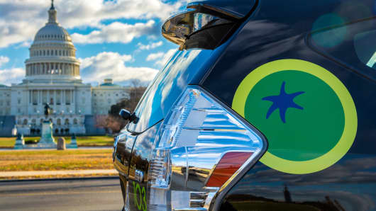 Green Tomato Cars enters the alternative taxi market in Washington, D.C., with eco-friendly, Wi-Fi equipped, app-dispatched cars.