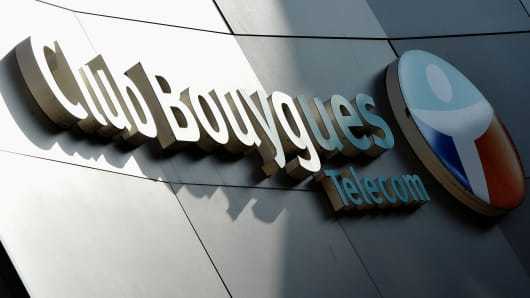 Logo of French internet provider and mobile phone services group Bouygues Telecom.