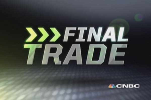 Fast Money Final Trade: XLE, SLV, PSG, NKE