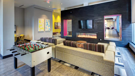 Game room at Chestnut Square, Drexel University