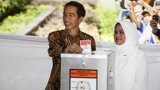 500876633OS010_INDONESIANS_