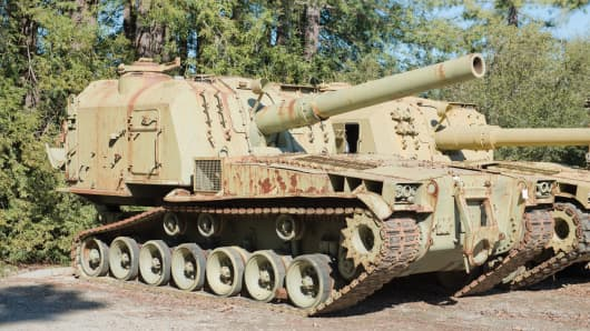 Lot 1033: M55 8-inch Self-Propelled Howitzer.