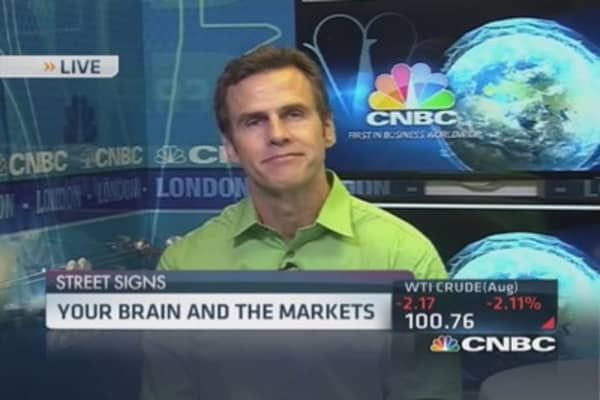 Close look at traders' brain activity
