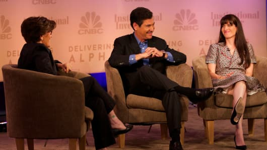 Jim Breyer and Shana Fisher (right) talk with Kara Swisher