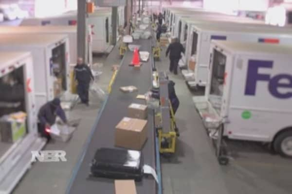FedEx indicted in drug probe
