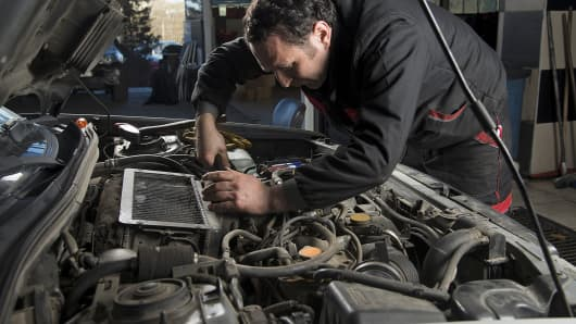 Problems with auto mechanics are among the top ten consumer complaints.