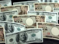 Japanese Yen and Dollar notes