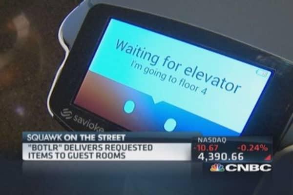 Robots invade Starwood hotels