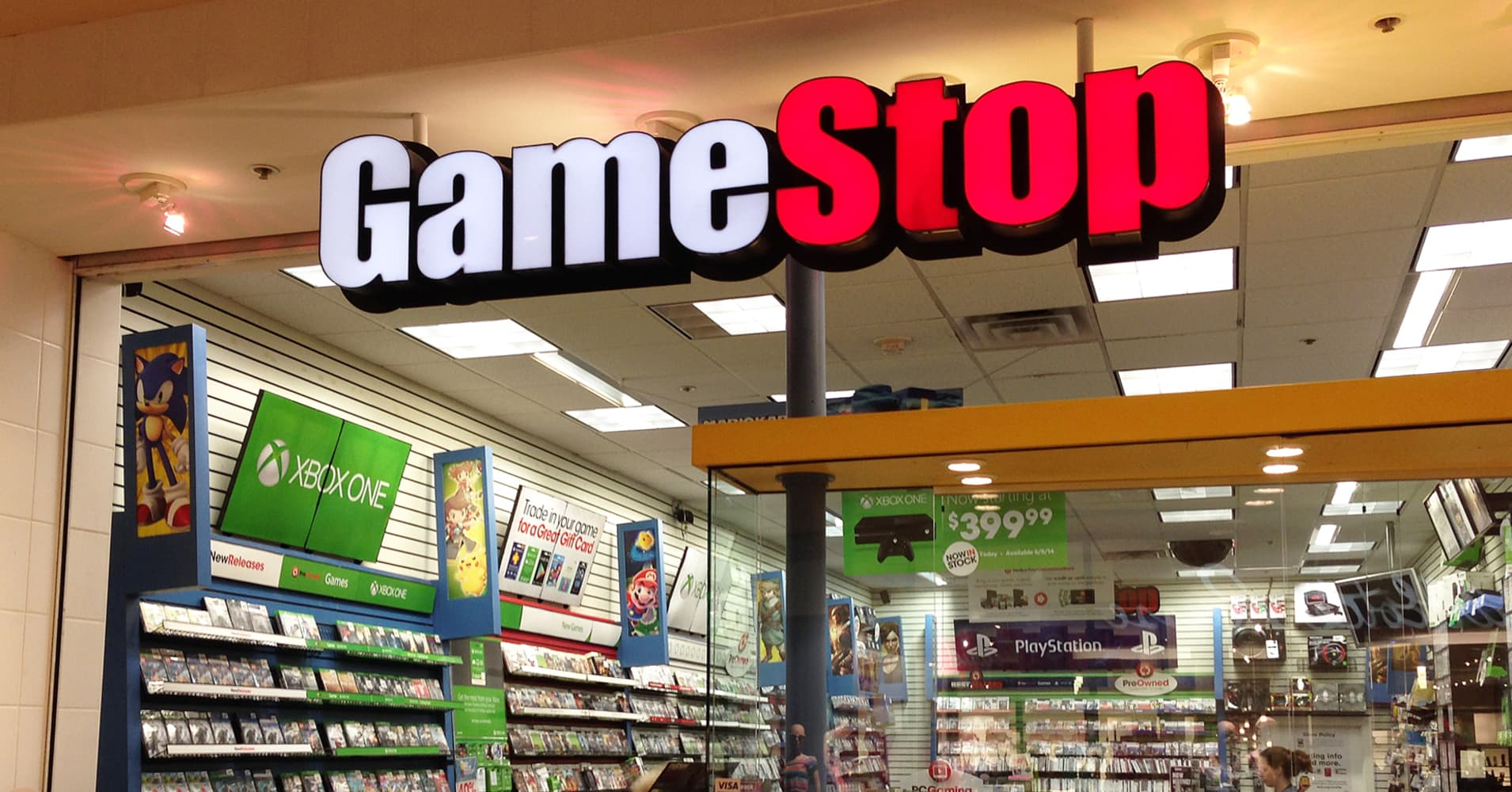 Shares of GameStop plummet on reports of lost sales