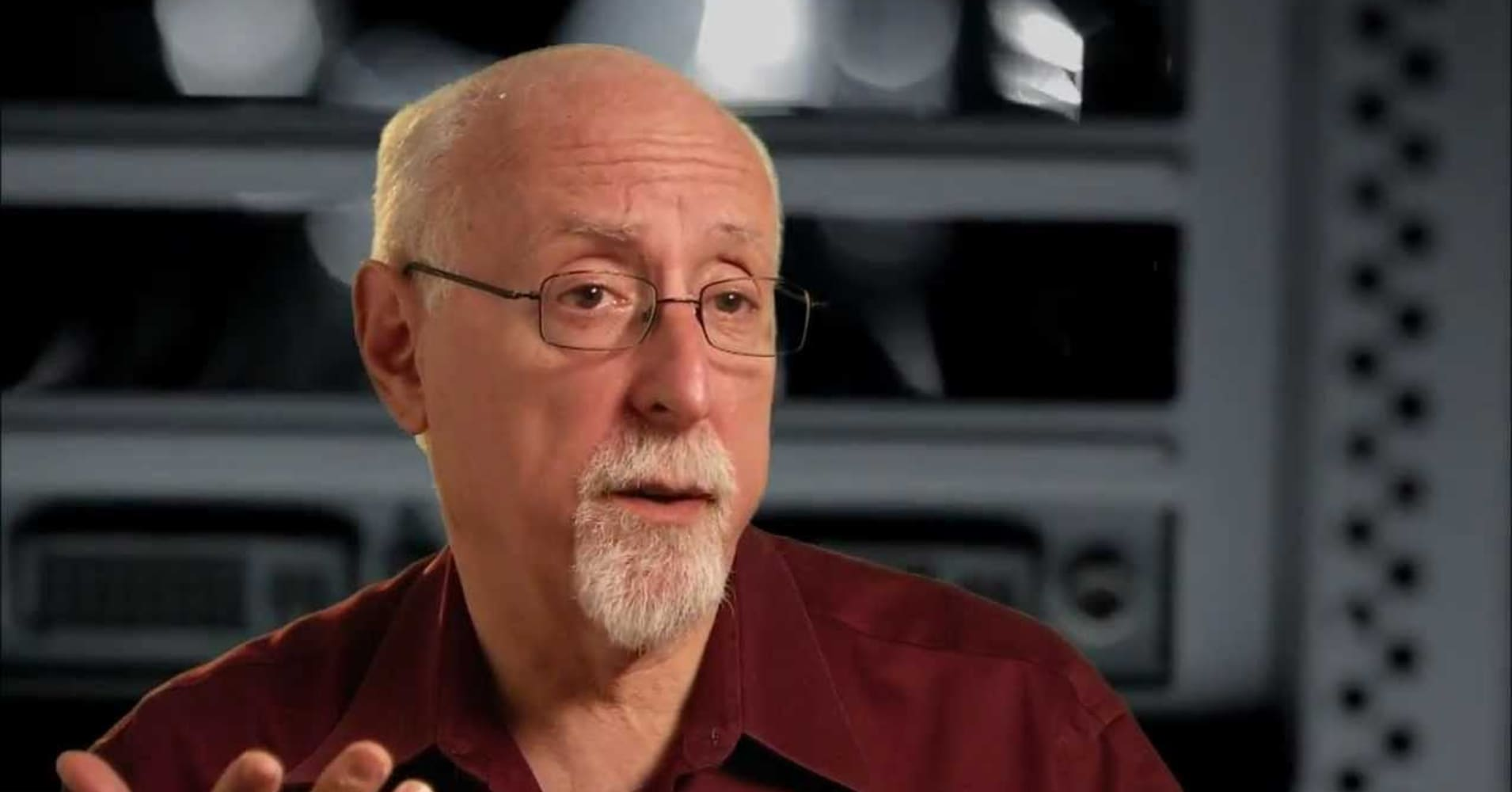 Legendary columnist Walt Mossberg changed the tech industry — here are some of his final predictions